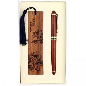 Chinoise Motif style Gift Set Flower Bookmark and Wood Rollerball Pen de la marque Blancho image 0 produit
