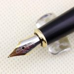 Collection luxe stylo plume dragon et de phenix rouge avec le milieu de plume d'or 18KGP de la marque Gullor image 4 produit