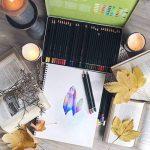 MONT MARTE Kit premium de crayons de couleur pour artistes débutants et professionnels – 36 pce dans une élégante boite en métal – idéals pour des dessins et peintures vives et colorées. de la marque MONT MARTE image 1 produit