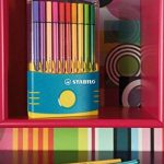 STABILO Pen 68 - Étui ColorParade turquoise de 20 feutres pointe moyenne - Coloris assortis de la marque STABILO image 3 produit
